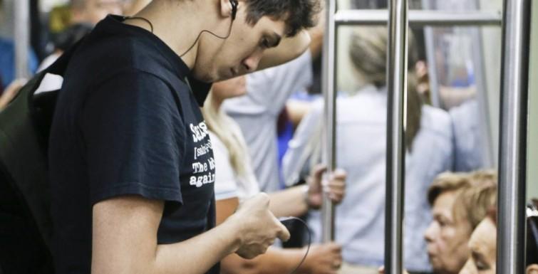 Smartphones ultrapassam os PCs no uso de internet no Brasil